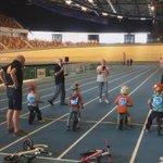 We zijn gestart! Indoorsprintwedstrijden met Striderloopfietsen over 60 meter in @Omnisport #Apeldoorn. https://t.co/ZmreVK1E3c