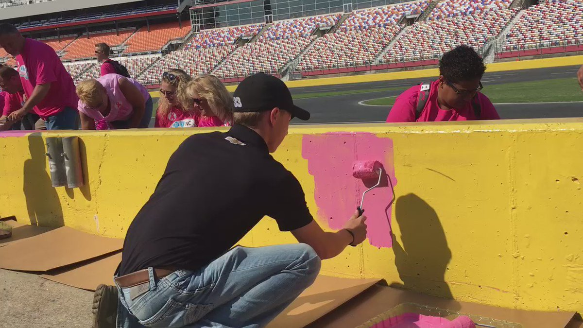 .@BrandonJonesRac helps #PaintOutCancer with breast cancer survivors at @CLTMotorSpdwy ahead of the #BCBSNC300. https://t.co/4LX00hIwFf