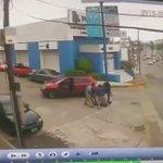Video cuando policías atrapan a presuntos ladrones en Ave. Hidalgo #Tampico @PuntodeVista_24 @televisagolfo https://t.co/ZQZgiBFTon