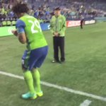 .@romantorres05s celebration couldnt be contained until he got to the locker room 🐰 #SEAvCHI https://t.co/K3ZQao8GWn