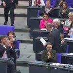 Peer Steinbrück sagt in seiner letzten Rede im Bundestag, wies ist: https://t.co/SraZMi7KAm