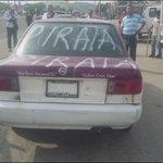 En Salina Cruz, taxistas adheridos a la CROC retuvieron taxis piratas de la CTM y los pintarrajearon en protesta por la invasión de rutas. https://t.co/fG2zyrNIiR