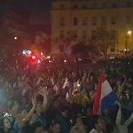 Ciudadanos autoconvocados marchan desde la plaza de la Democracia hacia el Congreso Nacional contra 3er aguinaldo. https://t.co/KHEuwQkEfT