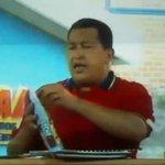 ¿Por qué Chávez se puso un kilo de leche en polvo en la cabeza? Misterio DEVELADO por #SucioGatoTV. https://t.co/MTNvr7e8fL