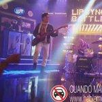 El @EddyVasquezWao nos salió todo un rockero!! Full actitud cantando @BonJovi 😱 #LipSyncPanama @fulltvmax https://t.co/AgYR05j0Ya