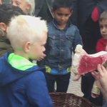 Met @martijnvdam kinderen op basisschool De Balans #jonglereneten Lekker en gezond eten is leuk! https://t.co/AGuX2qN17K