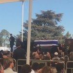 Avinou Malkheinou, la chanson préférée de Shimon Peres. Beaucoup ont pleuré - journalistes et gardes du corps aussi https://t.co/TsCOqpNdDZ