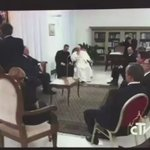 El Centro Democrático, predominantemente católico, debe estar feliz con este video. Este Papa es una chimba! https://t.co/yfrOeYLQ2v