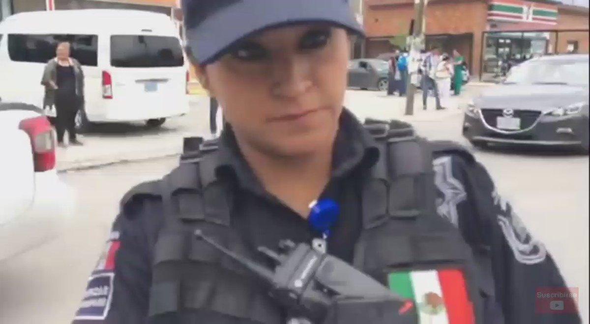 .@arnemx contestando a la oficial de MTy el Porqué tiembla y a que le tengo miedo. https://t.co/7s440SFVYd