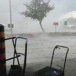 En #PuertoBolívar en la #Guajira colombiana las ráfagas de viento del huracán #Matthew asustó a mas de uno  https://t.co/ovOwvAMLOQ