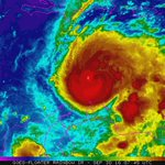 Hurricane Matthew now a Category 4 hurricane w/140 mph winds. Prayers to Jamaica. #ActOnClimate #Matthew https://t.co/kaNEcchfQo