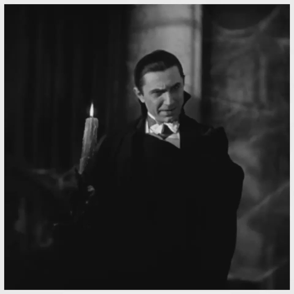 """I bid you welcome"" #Dracula #HappyOctober https://t.co/WSoR0OIOuW"