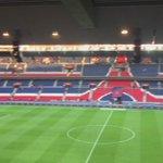 match terminé à paris, mais les ultras sont toujours là #psg bordeaux 2-0 https://t.co/UjcreeHdrw
