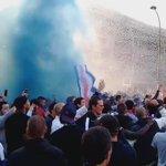 Les ultras ont poursuivi la fête devant le Parc #PSG https://t.co/8mtP4Tblgk
