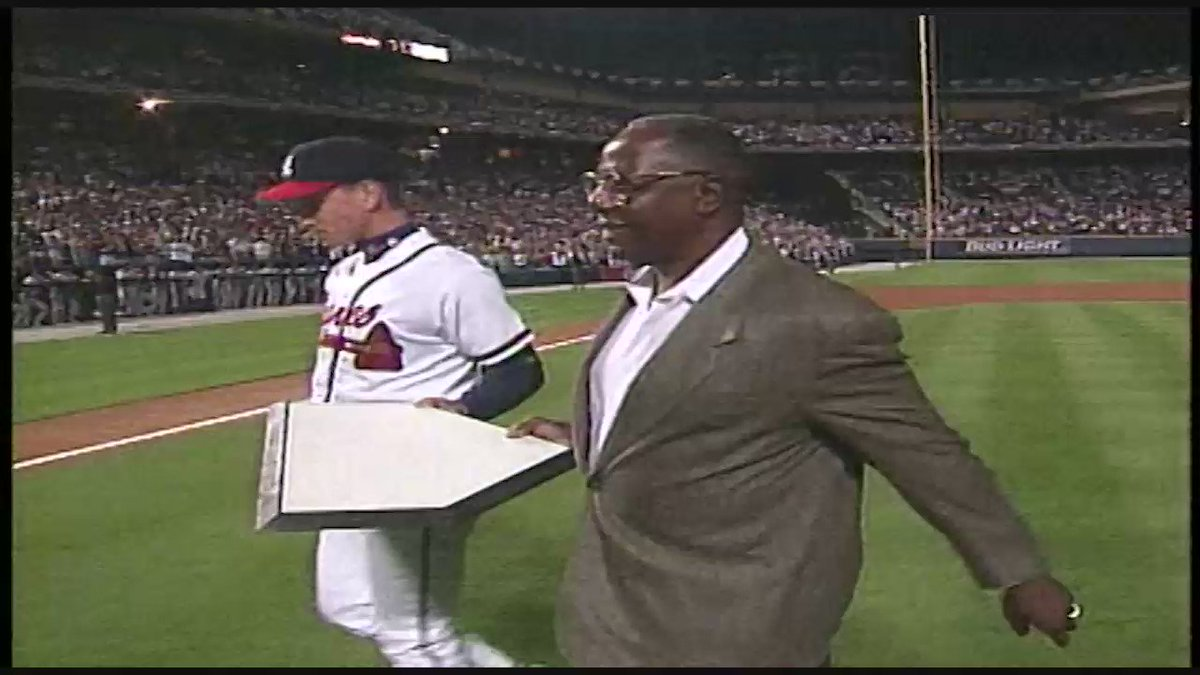 Hank Aaron delivered home plate to Turner Field in 1997 ... he took it out in 2016. https://t.co/eYO3Hwrq2S