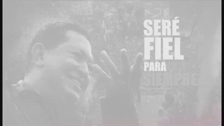 Hace 4 años Chávez llenó de amor 7 avenidas de Caracas y millones de corazones de la Patria. #ChávezLluviaDePueblo https://t.co/AhtFIEbaP4