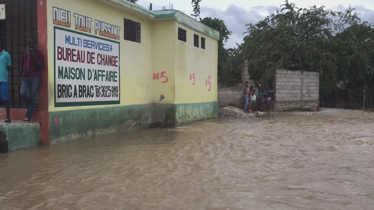 Leogane, #Haiti. https://t.co/SBrn1v5T2u #MatthewHaiti https://t.co/xdasGvnD6k