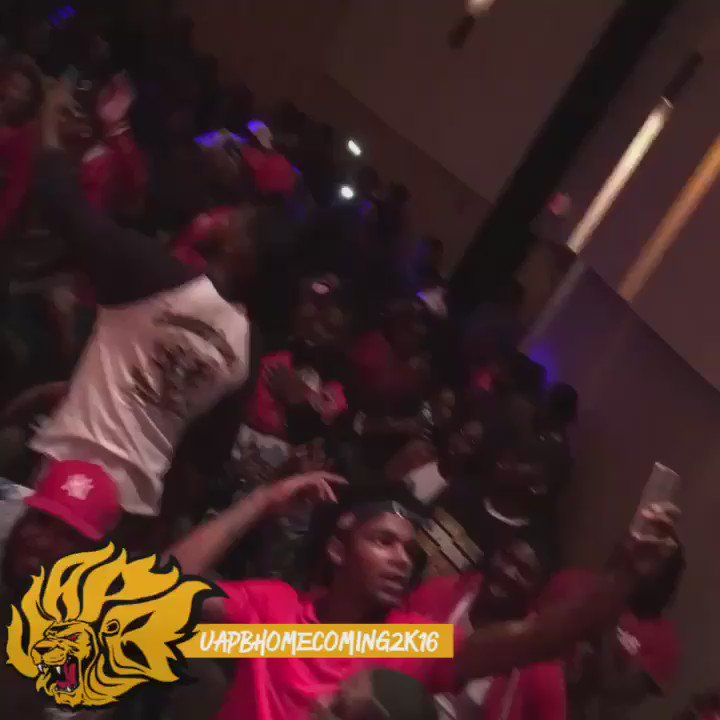 why we going UP like this ? It's only MONDAY !!!! #UapbHomecoming2k16 https://t.co/eb4ca0WPzw