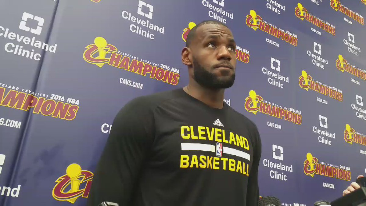 "LeBron James responds to Donald Trump's comments: ""That's not locker room talk. That's trash talk."" #Election2016 https://t.co/RCuBCXIG2T"