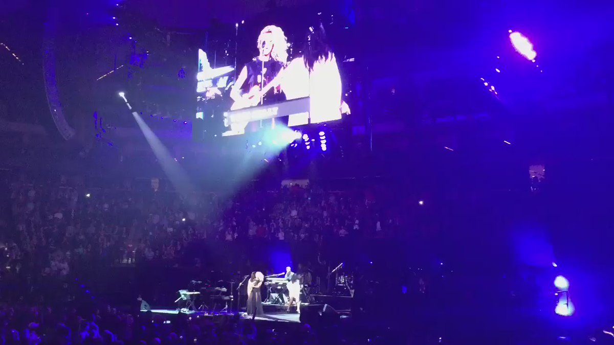 "Tori Kelly singing #Prince's ""Let's Go Crazy"" at the #OfficialPrinceTribute #KS95Prince @torikelly #ToriKelly https://t.co/2XClY9G5yj"