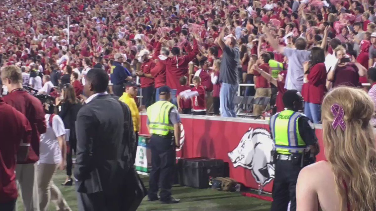Ok now this is the loudest I've ever heard this place. This was the 4th down! Wow #WPS https://t.co/J0bT0pwgLO