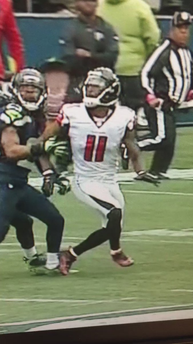 Got to throw the flag- Julio never had a chance to get his right arm up https://t.co/fBdkHcPdWz