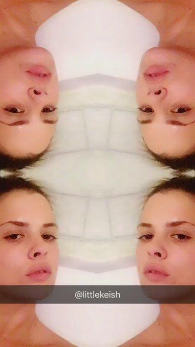 Rubadubdub #titwoman in the tub https://t.co/JkGaO0jC4X
