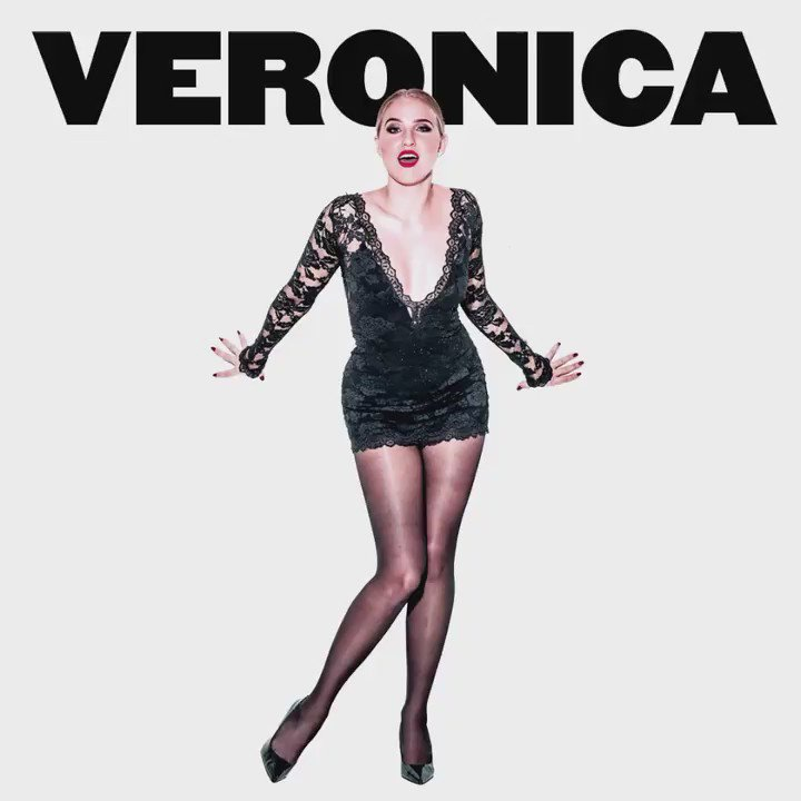 @Veronica_Dunne is Roxie. TONIGHT! #ChicagoMusical