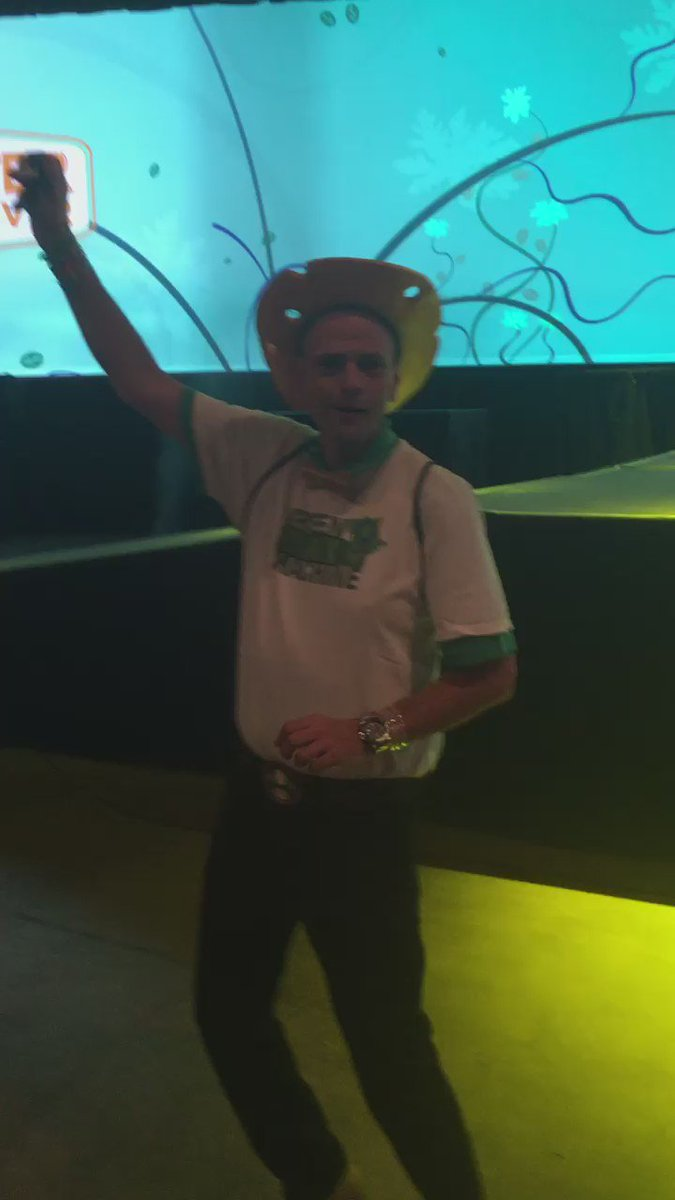 @StephenRitz getting warmed up for @JPconference #JPCon https://t.co/xo4y6oPuvl