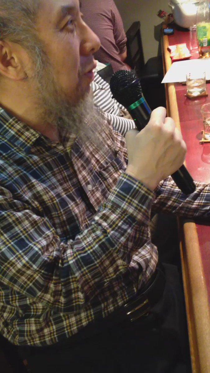 ハサン中田考先生、家宅捜索を受けたその日に #イベントバーエデン のカラオケで中島みゆきの「うらみ・ます」で領域国民国家への怨み節を歌う。 https://t.co/WTU6wEaBRA