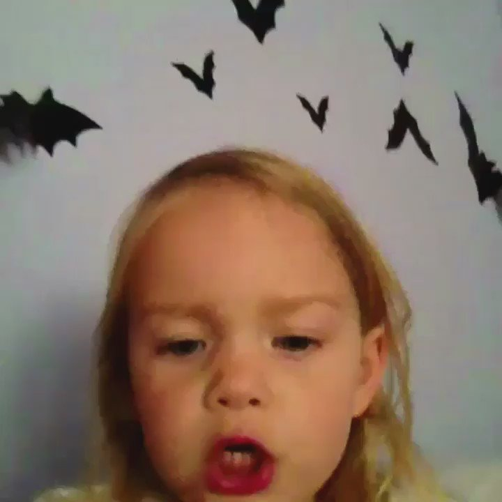RT @Dory: What I think of when I see anything Halloween related: https://t.co/7dj9RAE6EH