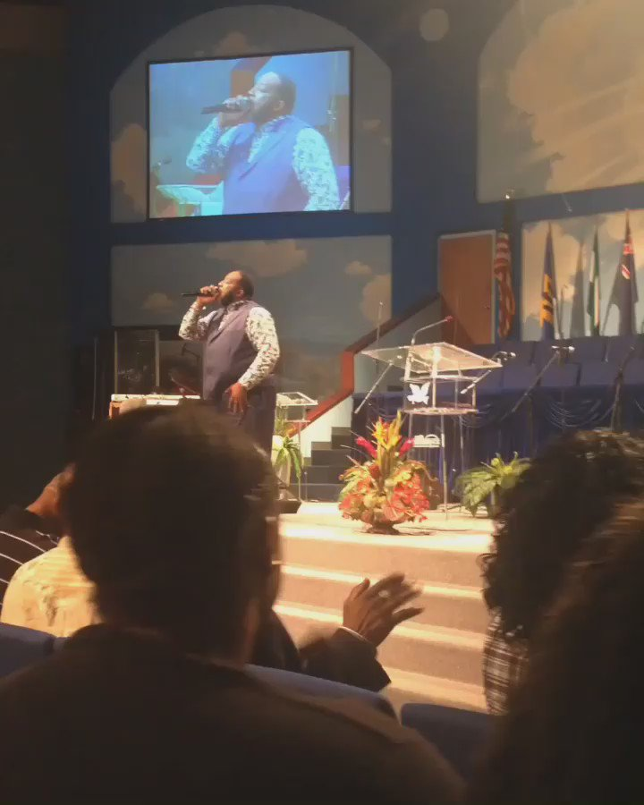 Bishop @MarvinSapp preaching last night!!! This man of God is so Humble & Anointed! ❤️ https://t.co/zly83Lq6hi