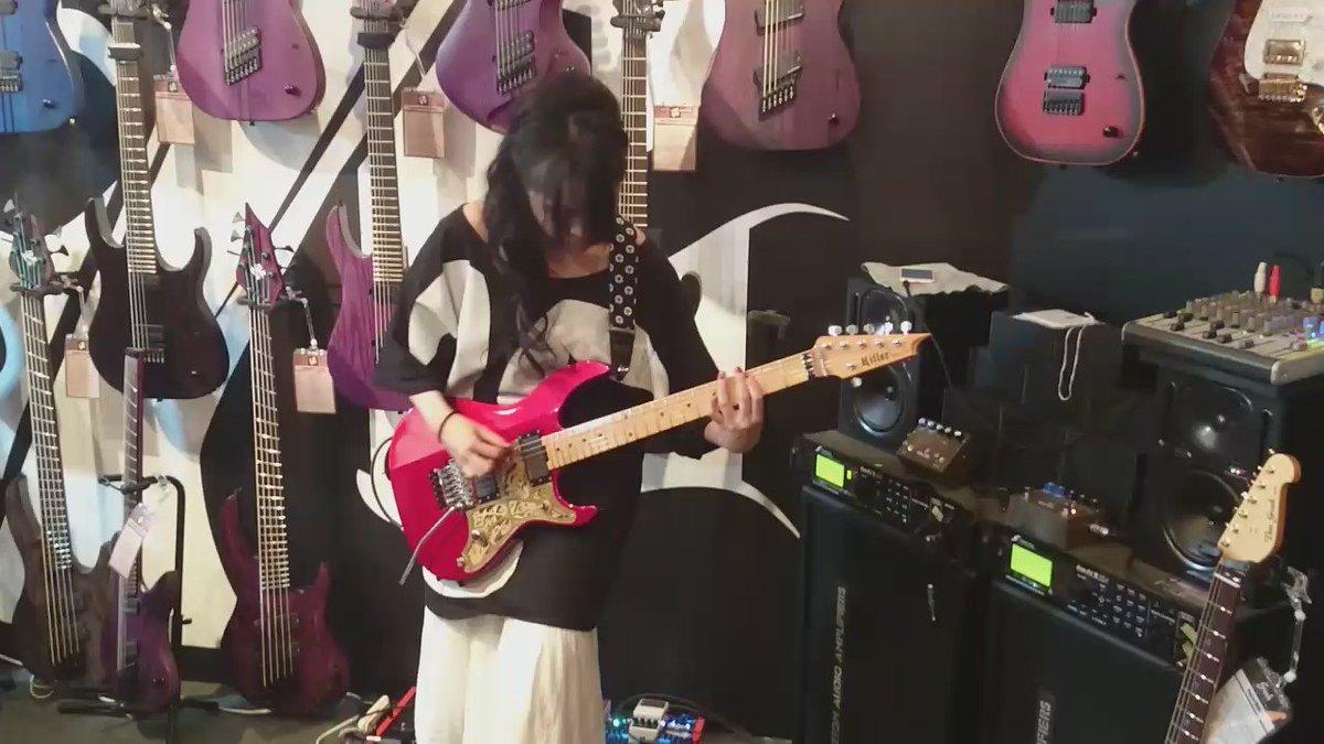 チャッキーのデモンストレーション!!#楽器フェア #SAKI  #メアリーズブラッド