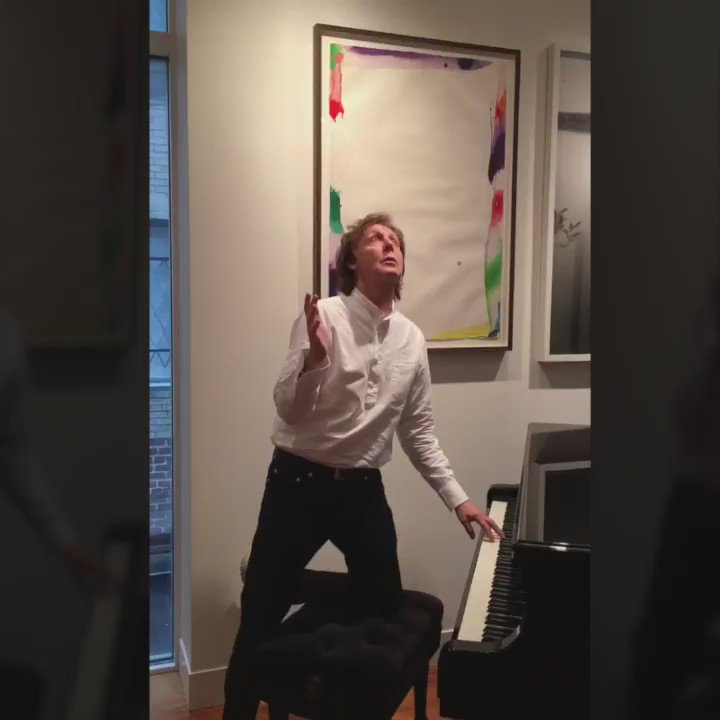 Love those Black Beatles #MannequinChallenge https://t.co/aAu9umHKI7