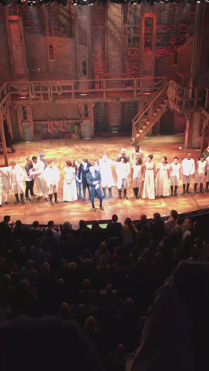 The message to Pence from the cast of Hamilton - right before he left https://t.co/renU04Zhuo