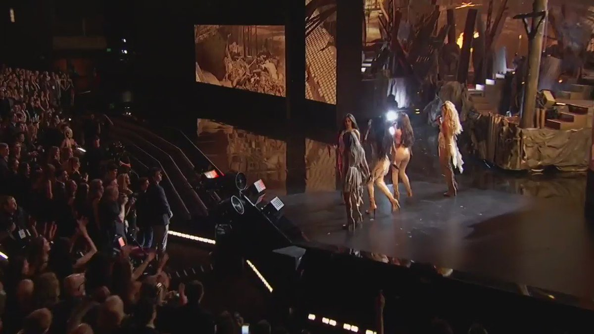 ���������� • In case you missed our #AMAs performance  https://t.co/CdqRfGZDRW https://t.co/QPVMoFmHyP