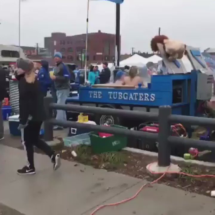 Been to a slew of Cleveland and Buffalo tailgates. Never seen anything on this level. https://t.co/bUdr27lKCc