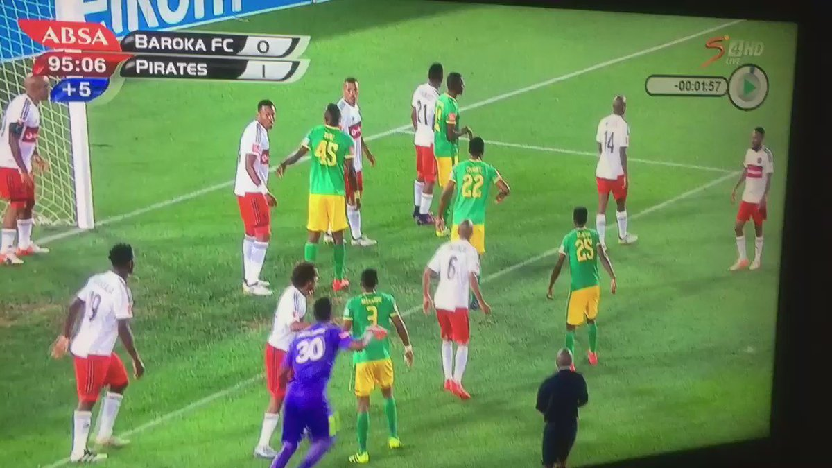 A goalkeeper in South Africa has equalised for his team with a last-minute bicycle kick. This is unreal