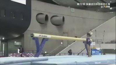 畠田千愛選手体操全日本団体選手権2016平均台 13.70012歳(小6)でG難度の後方伸身1回ひねりや下り技にF難度の