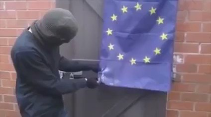 VIDEO: British man unable to burn EU flag due to EU regulations on flammable materials