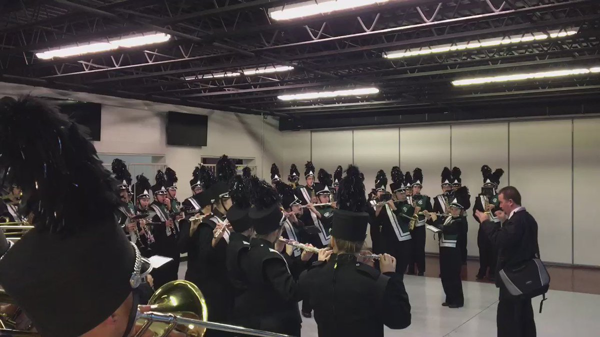 Grand Rapids marching band Making Warmup Great Again ahead of Trump rally. https://t.co/N12M02LvWp