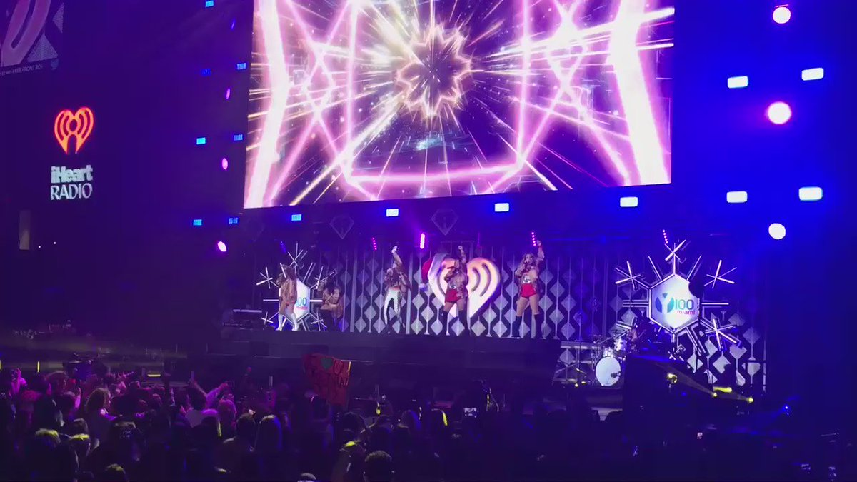 New starting five for the @FlaPanthers: Fifth Harmony #Y100JingleBall https://t.co/f5H9XPJz5k