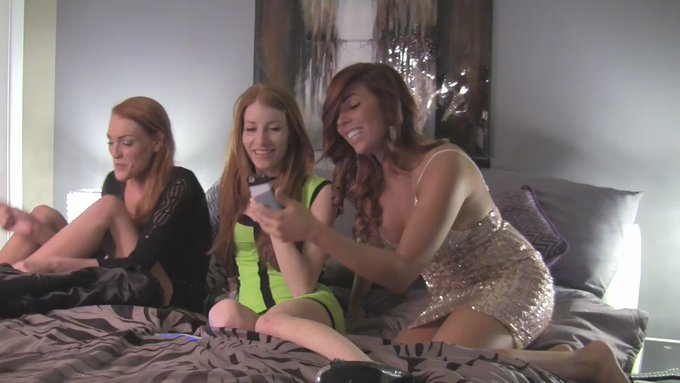 3 redheads tease your tiny, baby cock in this epic vid! #sph FULL vid here -> https://t.co/d9bZuskWQS