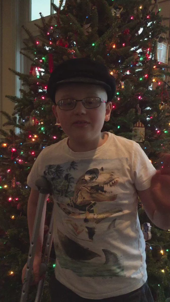 Let's give @alexs_journey an extra Christmas gift.  Let's help him to 10,000k followers today. RT and follow Alex https://t.co/pb8o4DPrUO