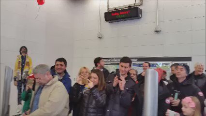 The moment the #SecondAvenueSubway opened, noon, at 72nd Street. https://t.co/Yw1SmtXASU