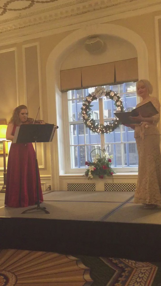 Happy New Year! Enjoy the excerpt from Bach's cantata with soprano Kimberly McCord. #newyear2017 @ulcchicago https://t.co/PO37CGFrqx