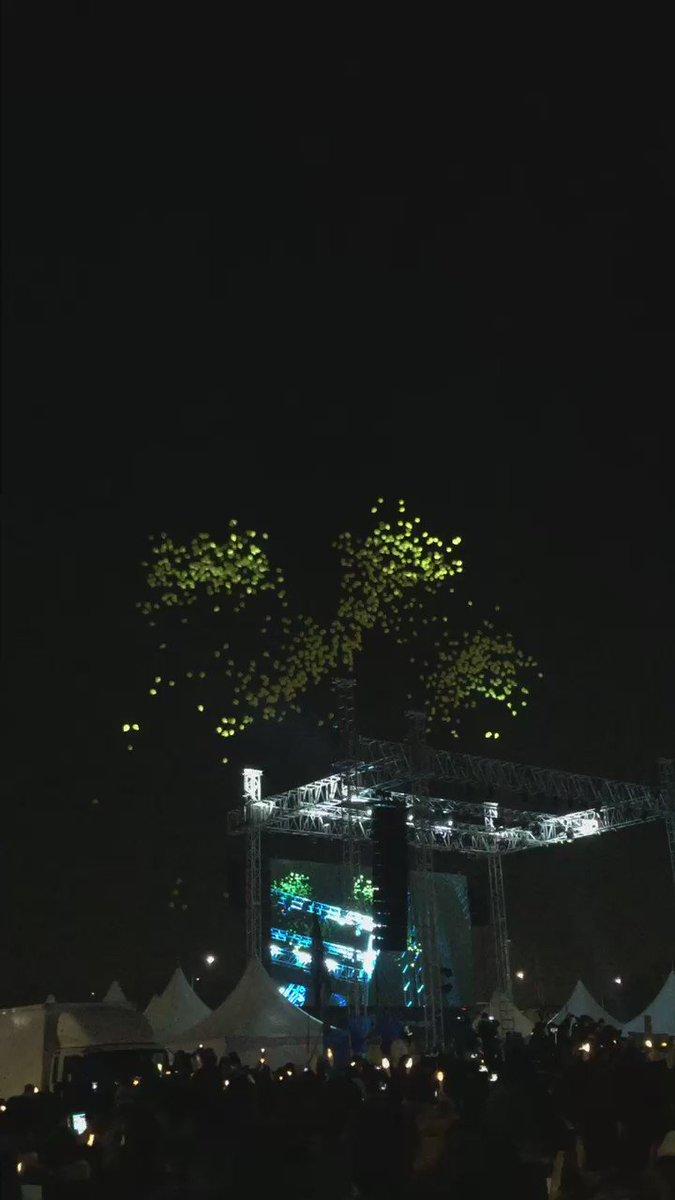 세월호 참사 1000일 노란색 풍선 1000개를 아이들이 있는 하늘로 날렸다. https://t.co/M3kqxSH4QW