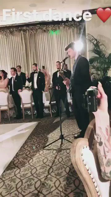 Shawn singing at Matts wedding Absolutely beautiful! ❤ 01.07.17 https://t.co/pFPqY2Ucp5
