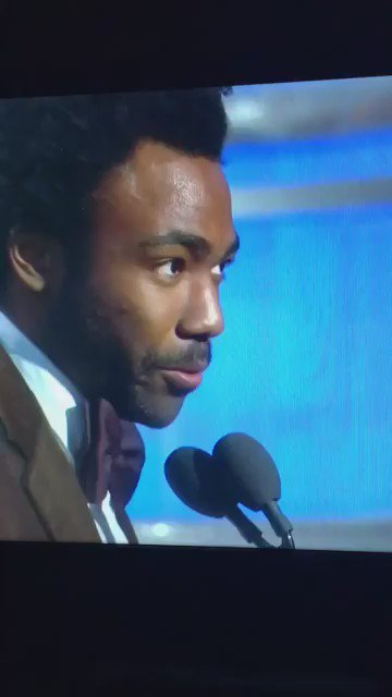 That instantly iconic moment when @donaldglover thanked Migos for 'Bad and Boujee'. #GoldenGlobes https://t.co/esmVVKOyxh