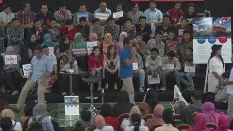 Jadi gak jadi bang @sandiuno bakal bangun Stadion karena Kecintaannya terhadap Olahraga #YakinPilihAniesSandi https://t.co/EVVacLzUFs